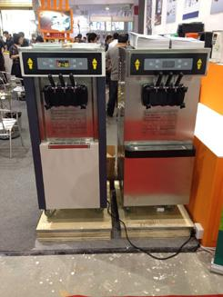 Engery Saving Ice Cream Machine With Precooling / Independent Control System , 2 Flavor